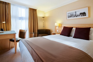hilton_london_kensington_hotel-kensington-london-3-full-size